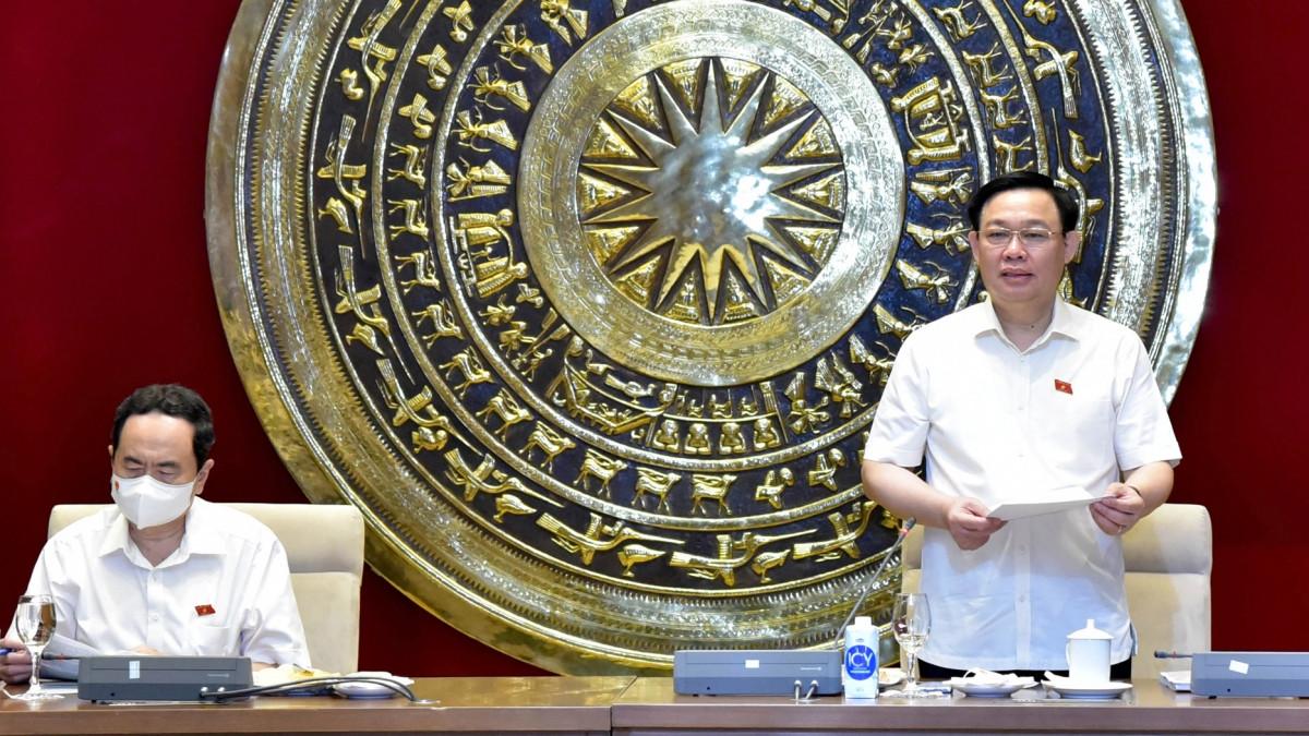 Chủ tịch Quốc hội Vương Đình Huệ phát biểu tại cuộc làm việc